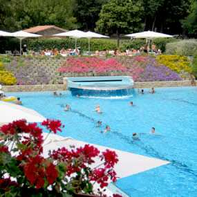 Camping parco delle piscine sarteano si for Camping delle piscine sarteano siena